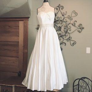 Davids Bridal Floor Length Wedding Gown Size 8